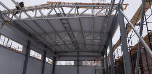 Здание из металлоконструкций и сэндвич панелей